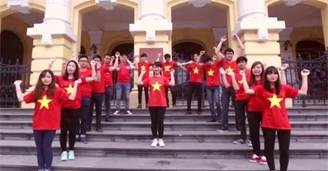 Hàng trăm du học sinh chung tay làm clip hướng về Tổ quốc dịp 30/4