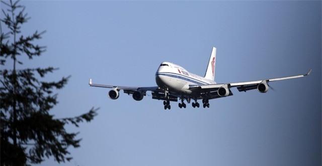 Máy bay chở ông Tập và phái đoàn cấp cao Trung Quốc chuẩn bị hạ cánh tại Mỹ ngày 22/9 (Ảnh: AP)