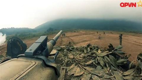 Xem quân đội VN diễn tập thực binh bắn đạn thật