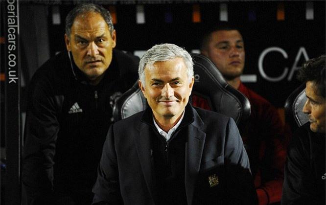 MU, Jose Mourinho, Northampton, Rooney, Rashford, cúp liên đoàn Anh