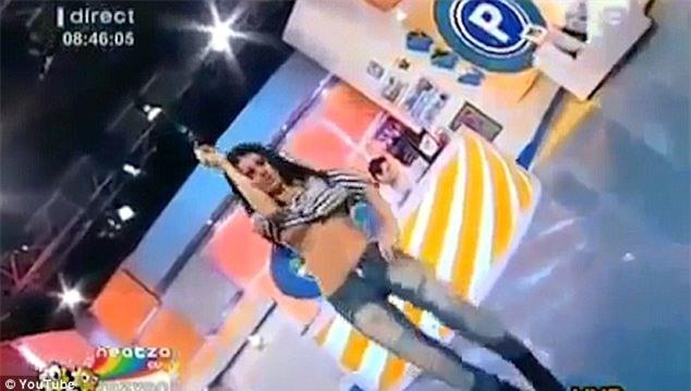 MC thời tiết, lộ ngực, khiêu vũ, Nữ MC, Daniela Crudu, Nữ MC, Daniela Crudu,