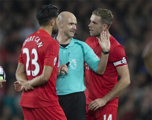 """Liverpool - MU & những pha bóng """"nóng hừng hực"""" - 5"""
