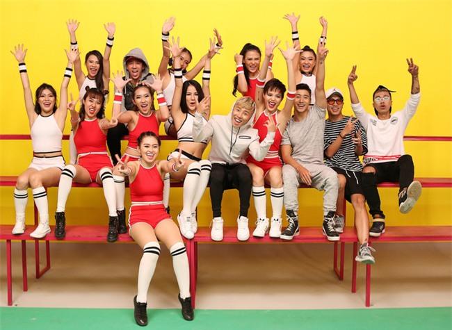 Diệp Lâm Anh diện đồ thể thao bốc lửa trong MV đầu tư khủng nhất sự nghiệp - Ảnh 2.
