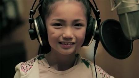 Cô bé 9 tuổi gây sốt với bản cover Price Tag