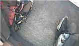 Trộm xe máy bỏ chạy vì bị bắt quả tang