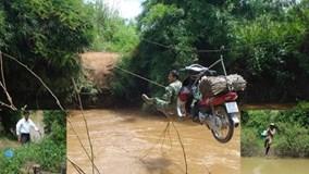 """Có cầu treo, dân không phải """"đánh đu"""" vượt sông"""