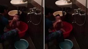 Hà Nội: Phẫn nộ clip người giúp việc hành hạ bé 3 tuổi khi tắm