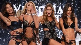 """""""Đột nhập"""" hậu trường nóng bỏng của Victoria's Secret Show 2015"""