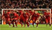 """Thắng """"đấu súng"""" trước Stoke, Liverpool vào chung kết"""