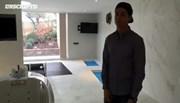 Ronaldo đỏm dáng, khoe phòng spa khủng tại nhà riêng
