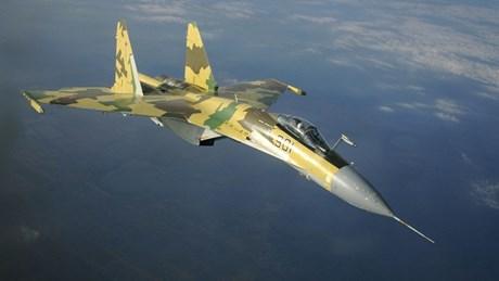 Xem tuyệt kỹ nhào lộn trên không của 'thần chết' Su-35S Nga