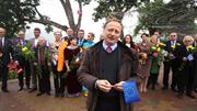 Các đại sứ châu Âu ăn phở vỉa hè, đi chợ hoa và chúc Tết Việt Nam