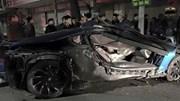 """Siêu xe BMW """"nát bét"""" sau vụ tai nạn ở hồ Hoàn Kiếm"""