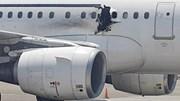 Vụ máy bay bị thủng do đánh bom tự sát: Một người rơi xuống đất thiệt mạng
