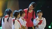 Gala Giai điệu Tự hào 2015: Bác Hồ Người cho em tất cả - Hồng Nhung & Nhóm Thiên thần nhỏ