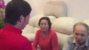 Hoài Linh quỳ gối hối lỗi trước bố mẹ