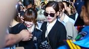 T-ara vẫy tay chào fans Việt, gây náo loạn sân bay
