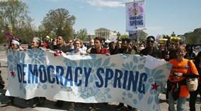 Mỹ bắt giữ 400 người biểu tình gần tòa nhà Quốc hội