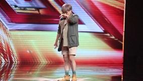 Chàng trai bị bệnh do bạo hành gây xúc động tại X-Factor