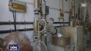 Cận cảnh bên trong nơi sản xuất cần sa tổng hợp