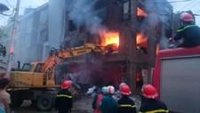 Hiện trường vụ cháy lớn ở khu đô thị Văn Khê, Hà Nội