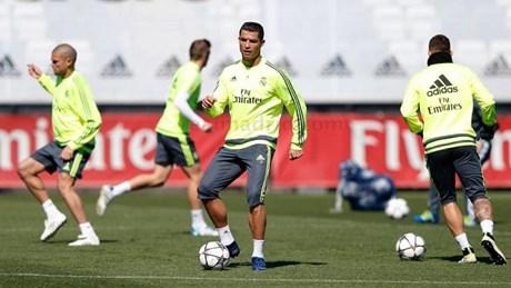 Ronaldo tập luyện điên cuồng: Mang Man City đến đây