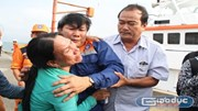Rơi nước mắt cảnh đón 34 ngư dân bị đâm chìm tàu cá ở Hoàng Sa