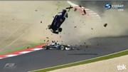 Video quay chậm tai nạn rợn người trên đường đua F3