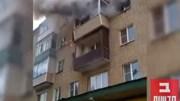 Cháy nhà, bố mẹ ném con từ tầng 5