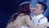 """X-Factor: Cô gái """"lai Hà Hồ - Mỹ Tâm"""" hết ôm Dương Khắc Linh, lại hôn Tùng Dương"""