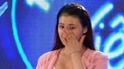 """Giám khảo """"Vietnam Idol"""" hoảng hốt vì thí sinh chưa hát đã khóc òa"""