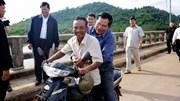 Thủ tướng Campuchia bị phạt vì không đội mũ bảo hiểm
