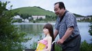 Ông lão 60 tuổi ngó lơ vợ và 2 con để sống cùng búp bê tình dục gợi cảm