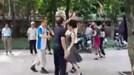 Khiêu vũ gây ồn ào gần điểm thi Trường Đại học Thủy Lợi