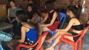 """Nhiều thiếu nữ bị dụ dỗ vào quán """"cafe ôm"""""""