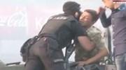 Video đẫm tình người trong cuộc đảo chính bất thành ở Thổ Nhĩ Kỳ