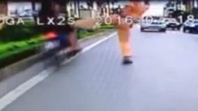 Cảnh sát giao thông có quyền đạp ngã người vi phạm hay không?