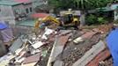 Quảng Ninh: Mưa lớn làm sập nhà, 4 người thoát chết