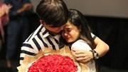 Tim bất ngờ quỳ gối cầu hôn Trương Quỳnh Anh
