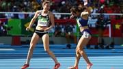 Khoảnh khắc rơi lệ của 2 VĐV điền kinh ở Olympic 2016