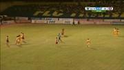 Pha đá phạt hài hước dẫn đến bàn thua của Thanh Hóa