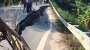 Vết nứt dài 32 m trên quốc lộ 32 C