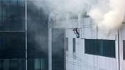 Cảnh sát PCCC đu dây cứu người ở tòa nhà cao nhất VN