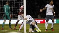 """Rooney vô duyên, MU thắng """"rửa mặt"""" nhờ Rashford"""