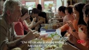"""Đầu bếp Mỹ """"không thể tin nổi"""" khi thưởng thức bún 'mắng' ở Hà Nội"""
