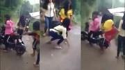 Huế: Nữ sinh đánh chửi bạn thậm tệ giữa đường, chẳng ai can ngăn