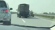 Clip xe tải trốn chạy xe CSGT như phim hành động