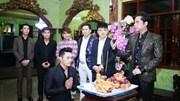 Ngọc Sơn làm lễ nhận học trò tại biệt thự thế kỷ