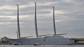 """Siêu du thuyền 450 triệu USD """"khoe dáng"""" trên biển"""