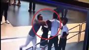 Chậm chuyến, 2 nam hành khách lăng mạ, đánh nữ nhân viên sân bay Nội Bài